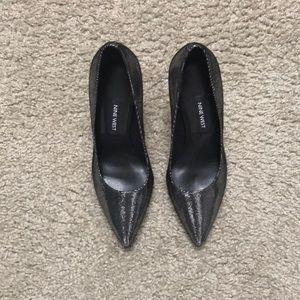 Nine West silver heels- never worn- size 5